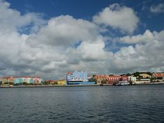 Willemstad, Curacao was a great place to visit for the day. Willemstad, Great Places, Holland, New York Skyline, Places To Visit, America, Travel, Dutch Netherlands, Voyage