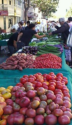 Every Tuesday evening Alvarado street becomes the #Monterey Farmer's Market. Visitors can find local produce, dinner, entertainment, and locally made products.