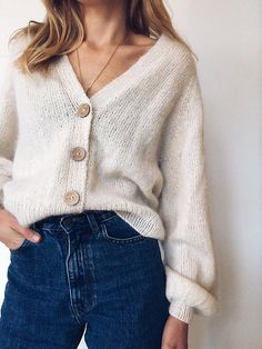 Ravelry: Balloon Cardigan pattern by PetiteKnit Moda Outfits, Cute Outfits, Casual Outfits, Fall Winter Outfits, Autumn Winter Fashion, Outfit Stile, Looks Style, My Style, Look Fashion
