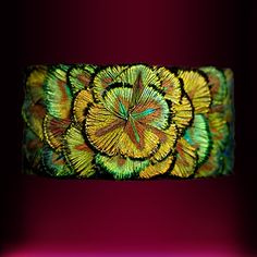 Leather & feather bracelet - Legeron Fleurs Artificielles en soie depuis 1880 Paris