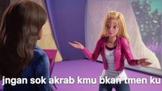 Stupid Memes, Funny Memes, Heartbreak Wallpaper, Barbie Movies, Cartoon Jokes, Laugh A Lot, Funny Stickers, Bts Suga, Laughing So Hard