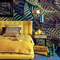 Going troppo over this all saffron bed! What a bold and adventorous choice….and combined with that wallpaper - WOW! www.heatherlydesign.com.au