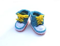 Baby booties Baby sneakers Crochet baby shoes Newborn by Florfanka