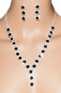 http://www.bijoux-feminin.com/parure-noire-blanc-c2x14134735
