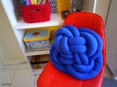 Almofada de nó com tutorial no blog :) #artesanato #decoracao #façavocemesmo #almofada #lamofadadeno #knotpillow #costura #atelie #dica #ideia #homedecor #diy #tutorial #pap #handmade #marrispe