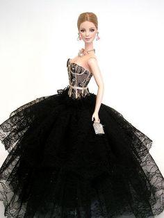 https://s-media-cache-ak0.pinimg.com/736x/0e/d1/67/0ed167023234392cb3f27f7575a9b4ed--barbie-dress-barbie-girl.jpg