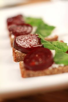 Rogbrood met Beet - Meatless Monday, Beets, Cheese, Snacks, Healthy, Recipes, Om, Food Ideas, Salads