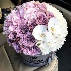 New post on violetvio Bouquet Box, Gift Bouquet, Amazing Flowers, Fresh Flowers, Beautiful Flowers, Flower Box Gift, Flower Boxes, Beautiful Flower Arrangements, Floral Arrangements
