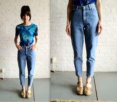 esto son los jeans de la mamá. estos son mis jeans favoritos porque son flojos. esto de moda, y me gustaría a usar estos a la escuela