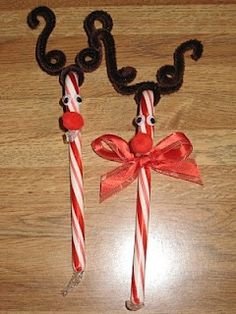 Holiday Crafts | Candy Cane Reigndeer ~ Cute craft for children. | Christmas goodies