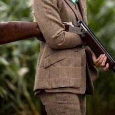 The Shotgun & Chelsea Bun Club (@chelseabunclub) в Instagram: «-    SNEAK PEEK    THE BRAND NEW BROWNING    - An exclusive and exciting preview of the brand new…» Tweed Waistcoat, Tweed Jacket, Country Life, Country Style, Shooting Club, Shooting Clothing, Chelsea Bun, Lady Games, Shotgun