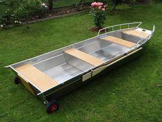 Barque Peche Dinghy Alu Fishing Barco Barque aluminium Barque de peche en aluminium soudée, la coque est à fond plat. La Maltière fabrique de barque en alu, soudée à la main et conçue pour durer, stable et légère. Il s'agit de barque de pêche. barque alu, barque peche, barque aluminium, barque a fond-plat, barque-occasion, barque-stable, barque-fond-plat, barques-de-peche, bateau-aluminium, pêche, bateau, fabrication, annexe, barque de peche en aluminium soudee en fine epaisseur