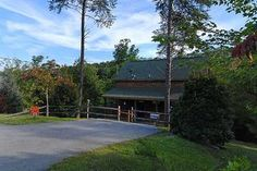 Pigeon Forge, TN: Pigeon Forge chalet rentals: LOVE BIRDS HIDEAWAY, White Oak Estates 366  is a 1 bedroom, 1 3/4 bath cedar chalet located about 5 miles from Pigeon For...