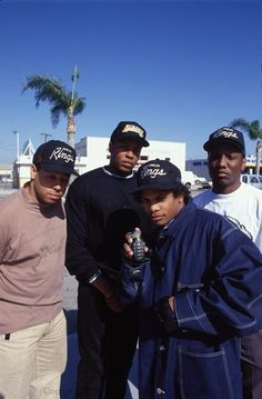 N.W.A. Mode Hip Hop, 90s Hip Hop, Hip Hop Rap, Music Pics, Music Images, Rap Music, Old School Pictures, Rapper, Estilo Hip Hop