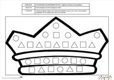 pour les PS : mettre les gommettes dans les bonnes formes géométriques   Donner à chaque enfant une barquette avec des gommettes en forme de carré, triangle et rond.  Il doit coller les gommettes au bon endroit dans la couronne pour la décorer.    codage logique galette  Illustrations DVD Marianne 2014 – www.crayaction.be   [amazon_link asins='2745953559' template='ProductAd' store='lacldepsdemc-21' marketplace='FR' link_id='1f0a5f9a-cce1-11e6-8526-719d71beb8be'] de Yukari Maedachez Milan…