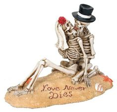 Beach Lovers - Collectible Figurine Statue Sculpture Figure Skeleton Perfect gift for those that love Love Never Dies Great craftmanship. Measurement: L: x H: Material: Resin Skull Wedding Cakes, Halloween Wedding Cakes, Halloween Gifts, Wedding Cake Toppers, Beach Themed Wedding Cakes, Gothic Wedding Cake, Gothic Cake, Halloween Bride, Halloween Couples