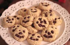 KakkuKatri: LASTEN TEKEMÄÄ: Helpot pikkuleivät