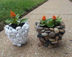 New diy garden stones flower pots ideas Rock Planters, Stone Planters, Diy Planters, Garden Planters, Cement Pots, Planter Ideas, Balcony Garden, Garden Crafts, Diy Garden Decor