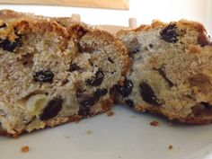 Easy Apple & Raisin Loaf, delicious, especially if its still warm! Recipe at www.easyhomemadecakes.com.