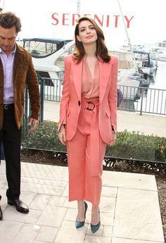 Anne Hathaway tiene el perfecto \u0027look working girl\u0027 para lucir en primavera  S\u0027