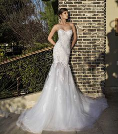 Slim Fit Gelinlik Modelleri; #gelin #gelinlik #gelinlikmodelleri #beyaz #dantel #2015gelinlikmodelleri #moda #trend #favori #wedding #weddingdress #weddingdress2015 #bridal #gelinlik2015 #2015gelinlik http://enmodagelinlik.com/slim-fit-gelinlik-modelleri-6-2/