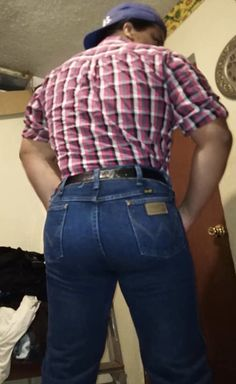 Send me your pics in Wrangler Boots And Jeans Men, Tight Jeans Men, Tight Leather Pants, Men's Jeans, Hot Country Boys, Cowboys Men, Wrangler Jeans, Mens Clothing Styles, Sexy Men