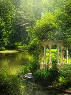 A quiet spot beside the pond conjures up myriad scenes, such as an afternoon picnic . . . or a stroll by the water.