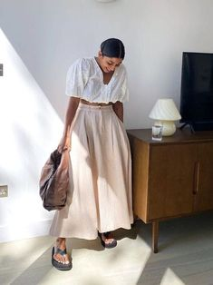outfits with flipflops Brainstorm, Tracee Ellis Ross, Outfit Trends, Outfit Ideas, All White Outfit, Elegantes Outfit, Street Style Trends, How To Pose, New York Fashion