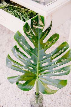 Modern Greenery Hochzeitsinspiration https://www.fraeulein-k-sagt-ja.de/deko-styled-by-frl-k/modern-greenery-hochzeitsinspiration/