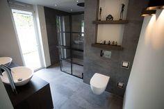 Wilt u thuis genieten van het wellness gevoel in uw badkamer? Laat u inspireren door Wellness Nieuwegein, gerealiseerd door De Eerste Kamer badkamers.