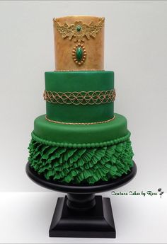 Cake Wrecks - Home. Stunning green cake with ruffles. Pretty Cakes, Beautiful Cakes, Amazing Cakes, Cake Wrecks, Green Cake, Couture Cakes, Just Cakes, Piece Of Cakes, Fancy Cakes