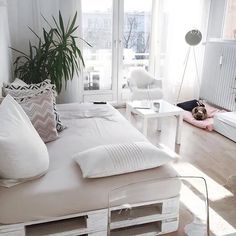 French Interior Design For Apartment Living Interior Design Hd, Room Interior, Deco Studio, Small Room Design, Home And Deco, Home Decor Styles, Home Decor Inspiration, Style Inspiration, Living Spaces