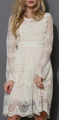 Mi Amore Lace Dress. I NEED this dress.