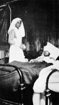 La Princesse Marie-José – 28 septembre 1918 (Les infirmières de guerre en service commandé, J. De Launoy). Médecins de la Grande Guerre -
