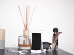 "4 Likes, 1 Comments - Aleksander Setups (@aleksosetups) on Instagram: ""Iphone 5 design still rocks #iphone #iphone5s #design #setup #technology #white #apple #minimal…"""