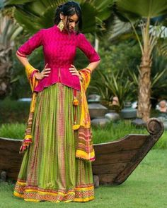 30 Latest Lehenga Saree Blouse Designs to inspire you - Wedandbeyond Sari Design, Choli Blouse Design, Choli Designs, Fancy Blouse Designs, Lehenga Designs, Saree Blouse Designs, Blouse Lehenga, Choli Dress, Peplum Blouse