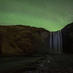 Staying awake in Iceland until 3:30AM pays off.  Photo by @smooon
