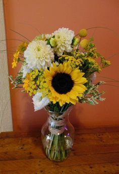 Rustic Wedding Bouquet with sunflowers and dahlias.