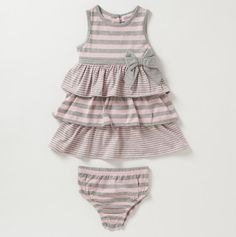 Gah! Super cute pink and grey outfit.