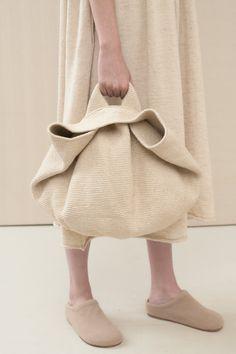 Crochet Bowl, Knit Crochet, Diy Bag Designs, Fashion Bags, Fashion Accessories, Fashion Ideas, Fashion Outfits, Sacs Design, Diy Sac
