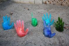 Actividade de sal e gelo. Tutorial em: http://happyhooligans.ca/salt-and-ice-activity/ salt and ice activity - happy hooligans - science experiment for kids