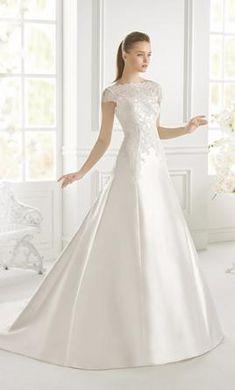 *Pronovias Gradiva: buy this dress for a fraction of the salon price on PreOwnedWeddingDresses.com