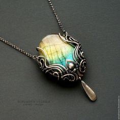 Купить серебряный кулон с лабрадоритом  Медальон - серебряный, кулон с лабрадором, радужный лабрадорит, редкий камень