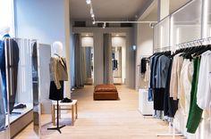 PHILIPP MAINZER developed the interior design for CLOSED store in Cologne, Germany, featuring e15 sofa module SHIRAZ and stool ASWAN (2014). Photo: Ewa Skorupska. #fashion #display #leather