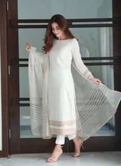 indian designer wear Top 10 Asian Actresses in Beautiful White Dress Pakistani Fashion Party Wear, Pakistani Fashion Casual, Indian Fashion Dresses, Dress Indian Style, Indian Designer Outfits, Pakistani Outfits, Indian Wear, Stylish Dresses For Girls, Stylish Dress Designs