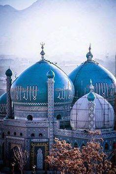 Awesome Blue Mosque in Mazar-e-Sharif, Afghanistan #TopAmazingWorld