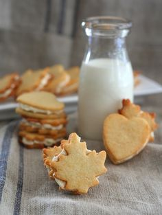 Low Carb Maple Cream Sandwich Cookies | All Day I Dream About Food. Only 2 g of carbs per serving! :)