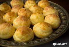 Gougère - habkönnyű sajtfánk lehet vegyes kemény sajt, kiskanállal vajas sütőpapírra, kihűlni hagyni keveréskor + kivétel előtt.  (1 nap hűtő?)
