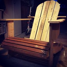 Adirondack chair made of reclaimed wood by #vervenhout