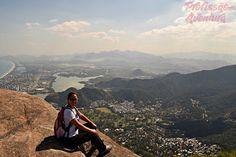 Visão da Zona Oeste do Rio de Janeiro de cima da Pedra da Gávea - Profissão Aventura http://www.profissaoaventura.com.br/2016/05/como-chegar-na-pedra-da-gavea.html